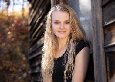 senior girl close up outdoors