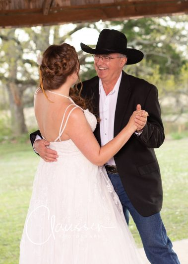 bride dance with father
